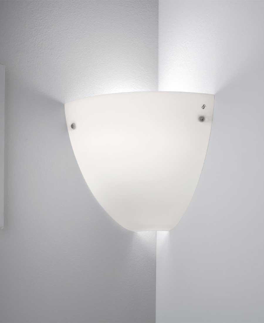 Corner-Wall-Light-by-Vistosi-1