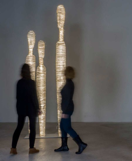 Encontros-floor-Art-Gallery-Sculptures-by-Arturo-Alvarez-Lighting